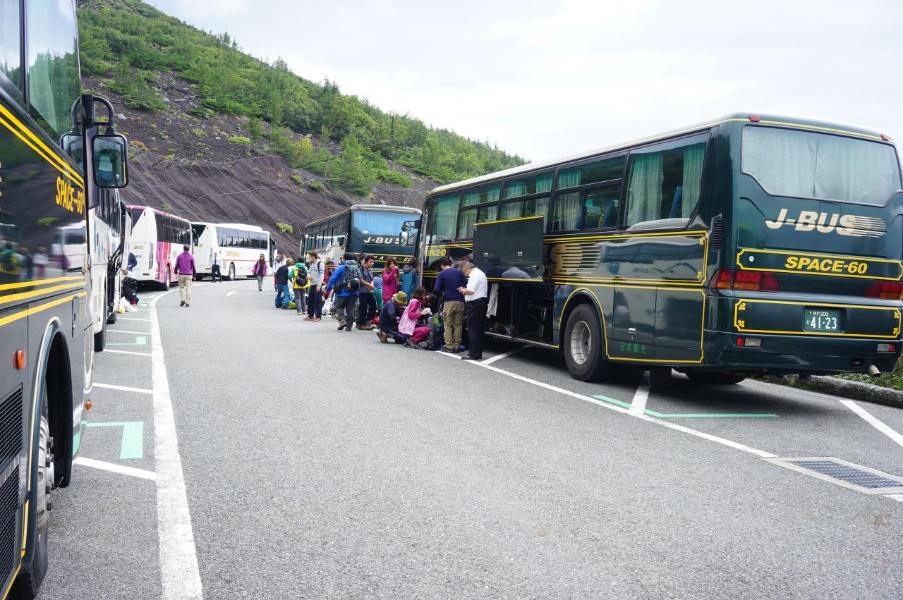 富士宮口五合目のバス